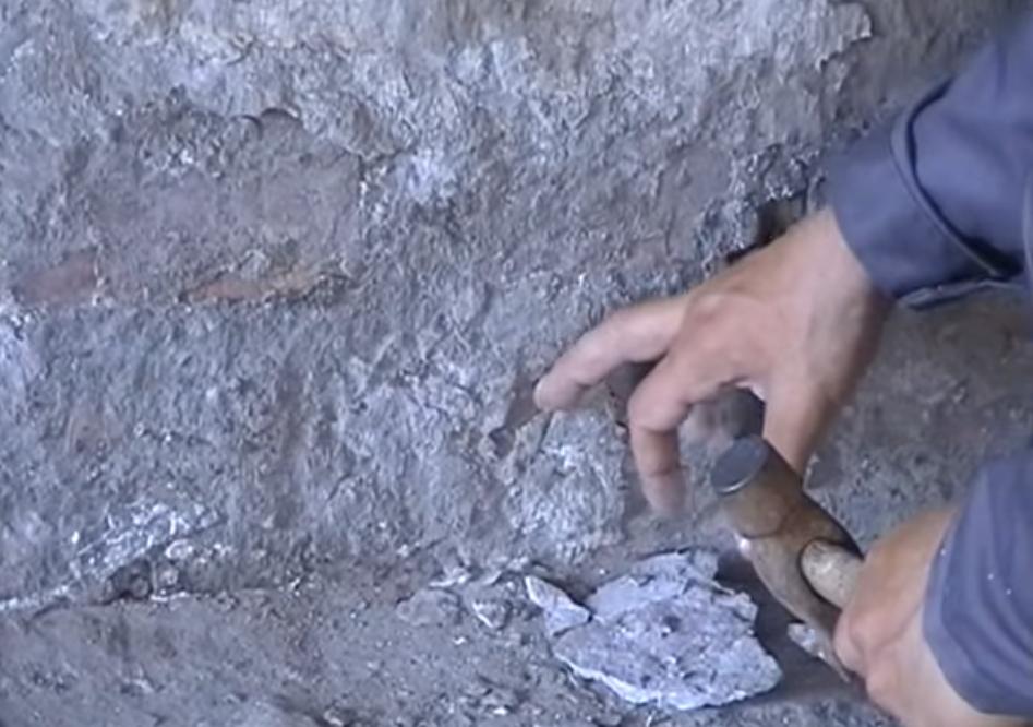 Подготавливаем основание для камня